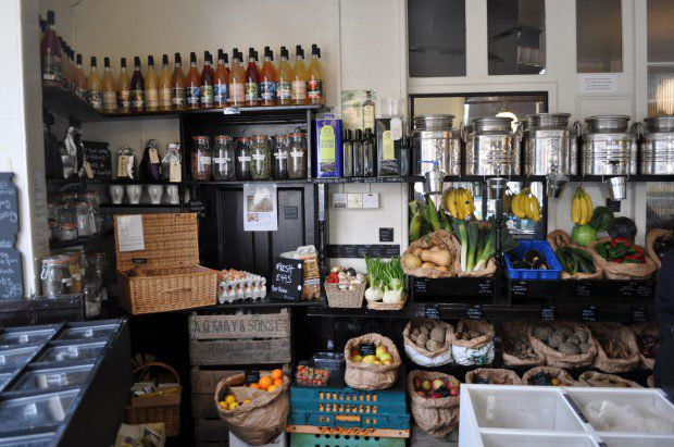 unpackaged-amwell-street-london-clerkenwell-organic-food-shop-store-5-620x411-4076779